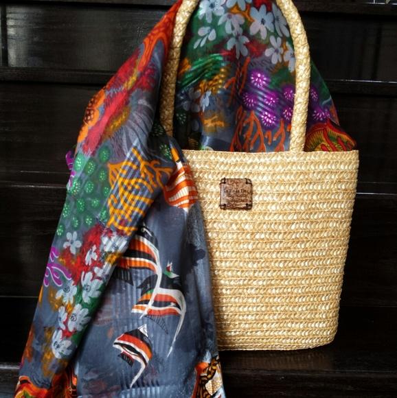 LA Vie En Rose Beach Bag & Sarong Wrap